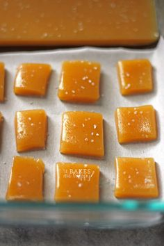 Vanilla Bean Sea Salt Caramels are soft, chewy and so easy to make! Chocolate Candy Recipes, Homemade Chocolate, Microwave Recipes, Baking Recipes, Baking Pan, No Cook Desserts, Just Desserts, Sea Salt Caramel, Food Words