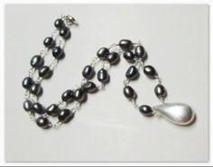 Dark Grey Pearl Necklace Light Side, Pearl Grey, Lighter, Pearl Necklace, Beaded Bracelets, Pearls, Dark, Jewelry, Fashion