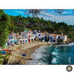 Beautiful places Cala S'Alguer, Palamós Have a nice day! Villas, Water For Health, Barcelona, Costa, Mediterranean Sea, Best Cities, Beautiful Places, Places To Visit, To Go