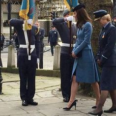 The Duchess of Cambridge has arrived at St Clement Danes for the service of Air Cadets 75th anniversary She is wearing Alexander McQueen cornflower blue coat, (last worn in 2014) Lock hat , and Air Cadets dacre brooch #worldofroyalspic#duchessofcambridge#alexandermcqueen