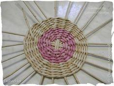 Поделка изделие Плетение Еще один мини МК узорчика на крышке Трубочки бумажные фото 4