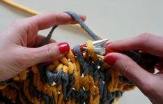 Neulo matto ontelokuteesta – katso helppo ohje! – Kotiliesi.fi Bracelets, Bracelet, Arm Bracelets, Bangle, Bangles, Anklets