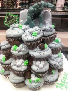 Image detail for -Ultimate hulk cake in My Cake Creations!! by Jennifer Bailey
