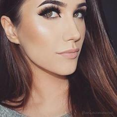 There's no denying that smokey eyes are gorgeous. | Tropical Eyes Are The New Smokey Eyes And They're Mesmerizing