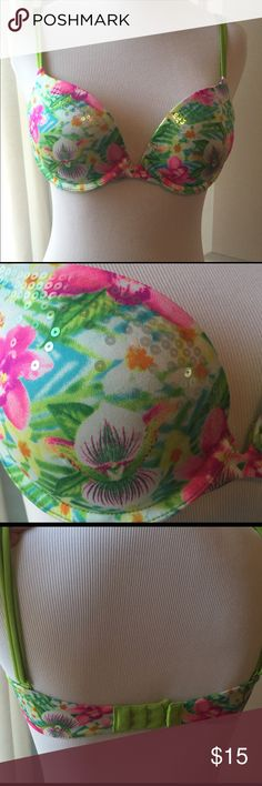 Victoria's Secret - Floral Print Sequin Bra Great for a tropical vacation! 🌴 or just any time you feel like you want to wear a tropical print bra! 🍍 lime green double-straps - adjustable. Flat sequins so it won't be lumpy under shirts. Size 34B; tags are cut, but has only been worn once or twice...too big on me. 😞 Would be super cute for a festival! Victoria's Secret Intimates & Sleepwear Bras
