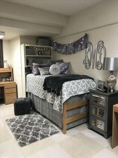 20 Beautiful Dorm Room Organization Ideas To Try Asap Dorm Room Decor Ideas Asap beautiful dorm ideas Organization room College Bedroom Decor, Cool Dorm Rooms, College Dorm Rooms, Girl College Dorms, Guy Dorm Rooms, College Closet, College Apartments, Dorm Room Storage, Dorm Room Organization