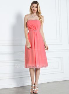 A-Line/Princess Strapless Knee-Length Chiffon Bridesmaid Dress With Ruffle Beading (007000916)
