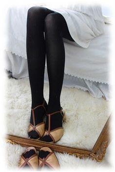 Vintage shoes  loverofvintage.blogspot.com