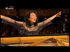 Mozart: Concerto for piano and Orchestra (d-minor) K.466  Mitsuko Uchida, Piano & Conductor Camerata Salzburg