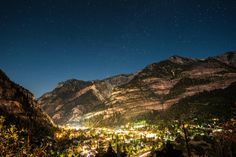 If you've never heard of Ouray Colorado you need to check it out! Coolest old mining town nestled into the mountains with a fun little town. Really great place for off roading/hiking/camping/ice climbing. || Click on the photo to discover the most incredible destinations with us :)