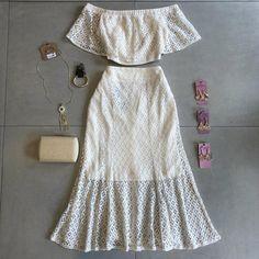 Lea Modas 🛍 Fashion 2020, Girl Fashion, Fashion Outfits, Womens Fashion, Fashion Design, Cruise Outfits, Summer Outfits, Sewing Blouses, Pakistani Dress Design