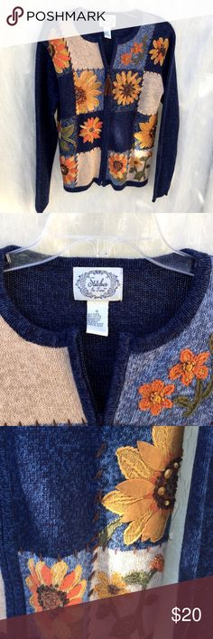 """Vtg Embroidered Appliqué Sunflower Cardigan Small Lovely sweater perfect for the Autumn season with it's fun sunflowers using a combination of appliqué embroidery and beads in an eye-catching quilt-like pattern on the front.  The back and sleeves are plain blue.  thin shoulder pads.  There is a zipper closure with a brown tassel pull.  Size S Small.   In great vintage shape.   Sweater length 28"""", chest 40"""""""".  55% Ramie, 45%cotton,  Hand wash cold, lay flat to dry.  Made in China Stitches in…"""