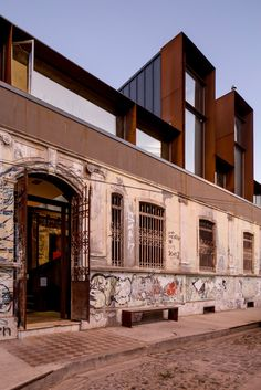 AD Round-Up: The Best of Contemporary Chilean Architecture,Dinamarca 399 / Joaquín Velasco Rubio. Building Extension, Roof Extension, Building Facade, Facade Architecture, Residential Architecture, Contemporary Architecture, Conservation Architecture, Habitat Collectif, Alcacer Do Sal