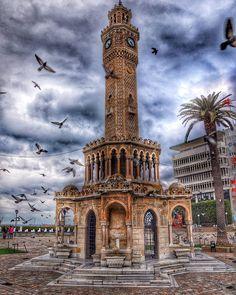 İZMİR-Saat Kulesi by @fuzulitugrul on Instagram.