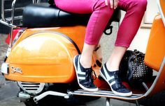 The orange bike, pink pants, perfect shoes and bag--and away we go!