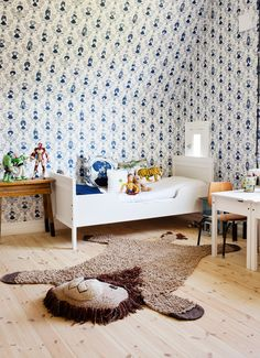 """At home with Lisa Bengtsson: """"Wallpaper tell who you are"""" - Comfortable home"""