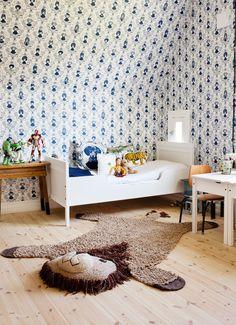 Papeles de pintados, y una decoracion diferente. Lo secretos de una casa rosa, por Lisa Begtsson | Decorar tu casa es facilisimo.com
