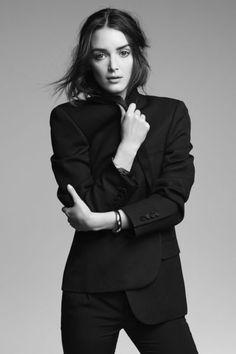 Charlotte Le Bon dans Yves Saint Laurent - Charlotte Le Bon et Pierre Niney posent pour L'Express Styles - L'EXPRESS