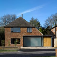 Dan Brill Architects are an award-winning modern architectural practice based in Winchester Hampshire Porch Flat Roof, House Front Porch, Porch Extension, Side Extension, Wood Cladding Exterior, 1970s House, Architects London, Long House, Facade House