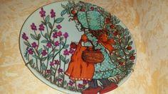 Piatto ceramica decorato a mano con indelebili, cotto in forno e poi smaltato