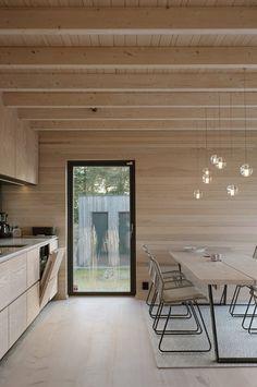 Interior of Solhøyden by Skaara Arkitekter. - Interior design in wood. Modern Interior, Home Interior Design, Sister Home, Flat Ideas, Scandinavian Kitchen, Tiny House Design, Küchen Design, Architecture, House Ideas