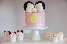 Couture Cupcakes & Cookies: E's Birthday - Minnie Mouse Party!