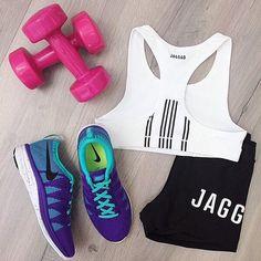 #gym #flatlay #nike #weights #gymwear #gymflatlay #flatlay #flatlays #flatlayapp www.theflatlay.com