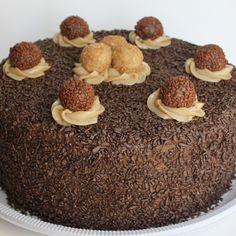 bolo de chocolate com brigadeiro ao leite e brigadeiro de paçoca #cake #brigadeiro