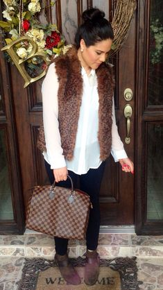 Outfit of the day | faux fur leopard vest | leggings | booties | fall outfit | winter outfit | idea | Louis Vuitton speedy 35 damier ebene