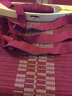 vävsnack | hemvävt.net | Sida 6 Rag Rugs, Weaving Techniques, Woven Rug, Table Linens, Colorful Rugs, Hand Weaving, Diy And Crafts, Fabrics, Diagram