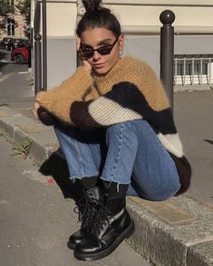 18 beautiful outfits for the new year 2019 fashion and outfit trends Zara Fashion Beautiful fashion outfit Outfits Trends year Looks Style, Looks Cool, My Style, Chill Style, Cool Girl Style, Trendy Style, Look Fashion, Fashion Models, Fashion Outfits