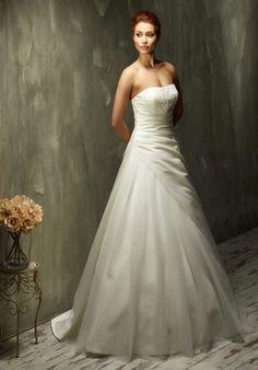 Klassisches A-Linien Hochzeitskleid aus Satin und Tüll in Weiß und Elfenbein - von Lisa Donetti