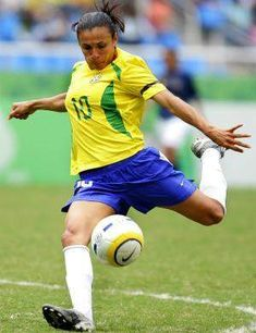 You have to admit that a soccer player is amazing if you HATE it when your team goes against her. Marta Vieira Da Silva is arguably one of the best women's soccer players of all time. Girls Soccer, Soccer Fans, Soccer World, Play Soccer, Football Soccer, Football Players Images, Female Football Player, Worldcup Football, Brazil Women