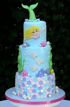 Mermaid cake by Karenskakestudio.com