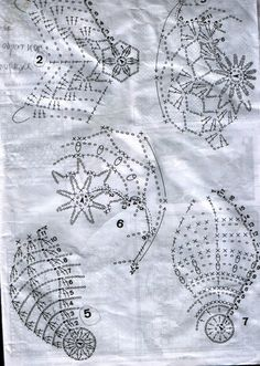 Boże Narodzenie - bombki - Urszula Niziołek - Веб-альбомы Picasa Crochet Chart, Crochet Basics, Thread Crochet, Crochet Doilies, Christmas Bells, Christmas Crafts, Christmas Decorations, Christmas Ornaments, Christmas Crochet Patterns