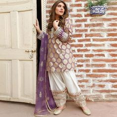 - Women fashion Casual Spring Over 30 - Women fashion For Work Outfits - Women fashion Chic Summer - Women fashion Accessories Bags Party Wear Indian Dresses, Pakistani Fashion Party Wear, Pakistani Formal Dresses, Pakistani Wedding Outfits, Pakistani Dress Design, Bridal Outfits, Pakistani Clothing, Stylish Dresses For Girls, Stylish Dress Designs