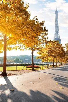 Tour Eiffel, Paris Eiffel Tower, Beautiful Moments, Life Is Beautiful, Travel Goals, Paris France, Places To Go, City, World