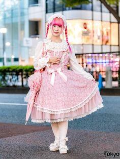 395e50361703 Pink-Haired Harajuku Girl in Japanese Lolita Fashion w/ Metamorphose temps  de fille,