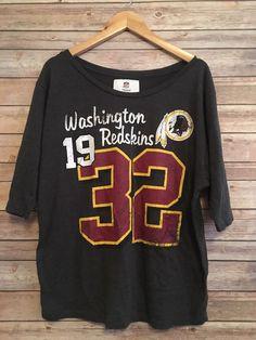 NFL Washington Redskins Cursive Font Scoop Neck T-Shirt Women s Large 1853b5521