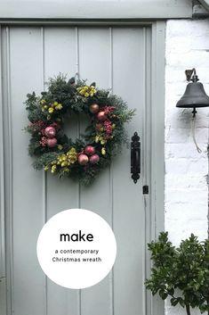how to make a contemporary christmas wreath