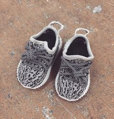 efdfc6b8fbac Baby yeezys Baby Yeezy Shoes, Baby Sneakers, Baby Yeezys, Boy Outfits,  Winter