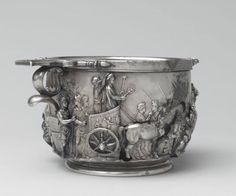 Roman silver cup with emperor Tiberius 14-37 a.C.