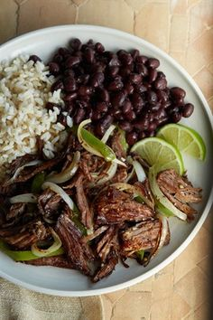 Cuban Crispy Shredded Beef (Vaca Frita) -- This dish is heavenly! Cuban Dishes, Spanish Dishes, Beef Dishes, Puerto Rican Dishes, Puerto Rican Recipes, Comida Latina, Mexican Food Recipes, Dinner Recipes, Spanish Food Recipes