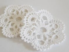 "White Snowflake Coasters, 4"" Crochet Coasters Set of 6, Christmas table decoration, Holidays Drink Coasters"