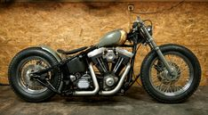 gray & gold evo softail custom with solo seat