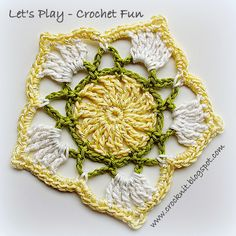 MiCrocknit Creations: SPRING FUN Coaster - free crochet pentagon motif pattern by Barbara Summers. Dk cotton yarn.* ༺✿ƬⱤღ  https://www.pinterest.com/teretegui/✿༻