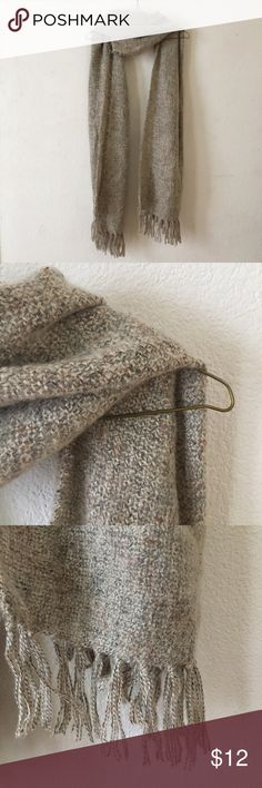 Large Oatmeal Knit scarf Beautiful beige oatmeal knit scarf. Really long & wide. Great for dressing up when going out & awesome for bundling up in cold weather ♡ Accessories Scarves & Wraps