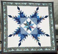 フェザースター Cushion Cover Designs, Native American Fashion, Iris, Nativity, Cushions, Quilts, Blanket, Stars, Throw Pillows