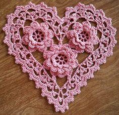 Irish Crochet Roses Heart...  Corazón con Rosas Irlandesas...