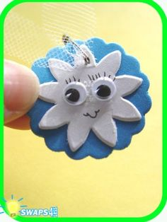 Girl Scout Swaps aka special whatchamacallits affectionately pinned somewhere - Cute idea for a Daisy themed SWAP